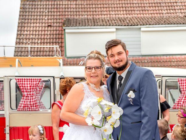 Le mariage de Amelie et Thibaut à Allennes-les-Marais, Nord 23