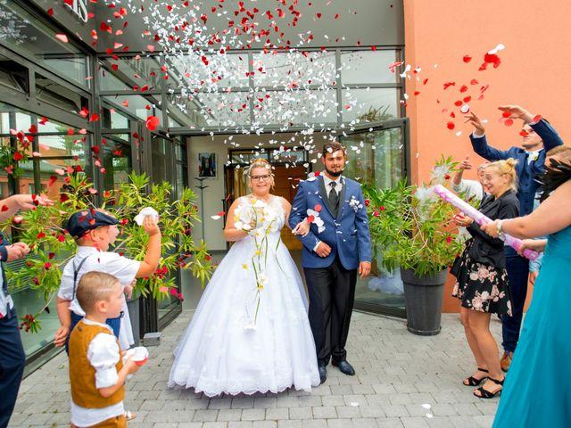 Le mariage de Amelie et Thibaut à Allennes-les-Marais, Nord 41
