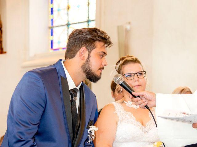 Le mariage de Amelie et Thibaut à Allennes-les-Marais, Nord 44