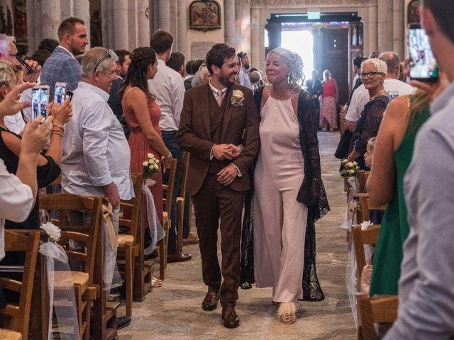 Le mariage de Yohann et Claire à Saint-Paul-en-Jarez, Loire 7