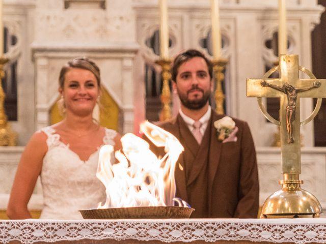 Le mariage de Yohann et Claire à Saint-Paul-en-Jarez, Loire 10