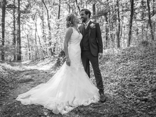 Le mariage de Yohann et Claire à Saint-Paul-en-Jarez, Loire 12
