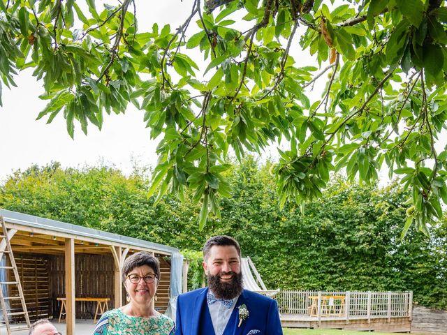 Le mariage de Pierre-Emmanuel et Sonia à Laval, Mayenne 40