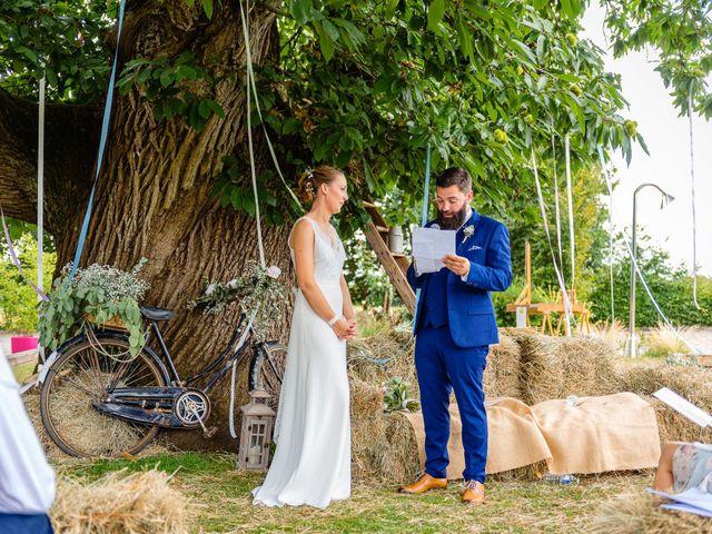 Le mariage de Pierre-Emmanuel et Sonia à Laval, Mayenne 43