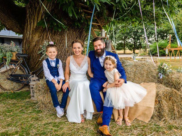 Le mariage de Pierre-Emmanuel et Sonia à Laval, Mayenne 76