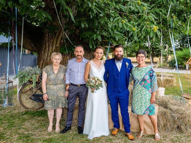 Le mariage de Pierre-Emmanuel et Sonia à Laval, Mayenne 79