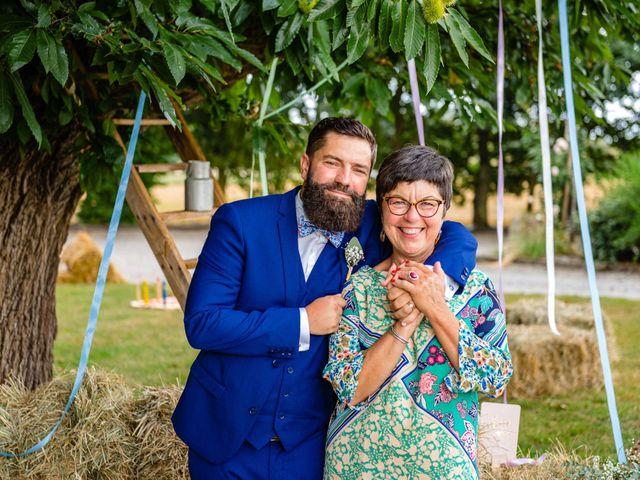 Le mariage de Pierre-Emmanuel et Sonia à Laval, Mayenne 81
