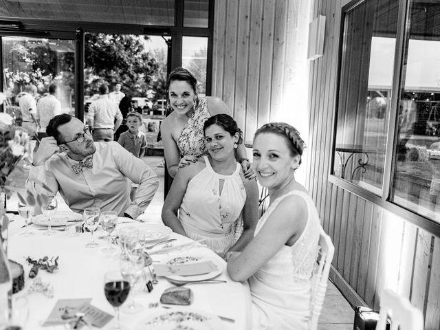 Le mariage de Pierre-Emmanuel et Sonia à Laval, Mayenne 125