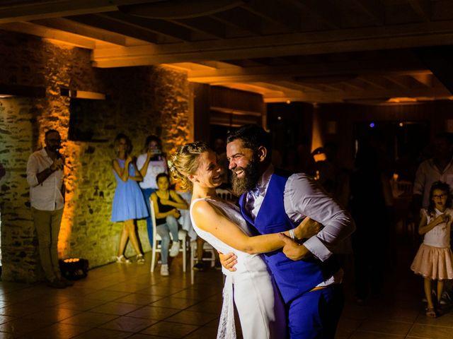Le mariage de Pierre-Emmanuel et Sonia à Laval, Mayenne 131