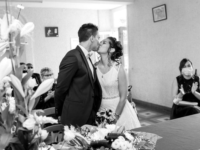 Le mariage de Jordan et Héloïse à Saint-Martin-de-Sallen, Calvados 1