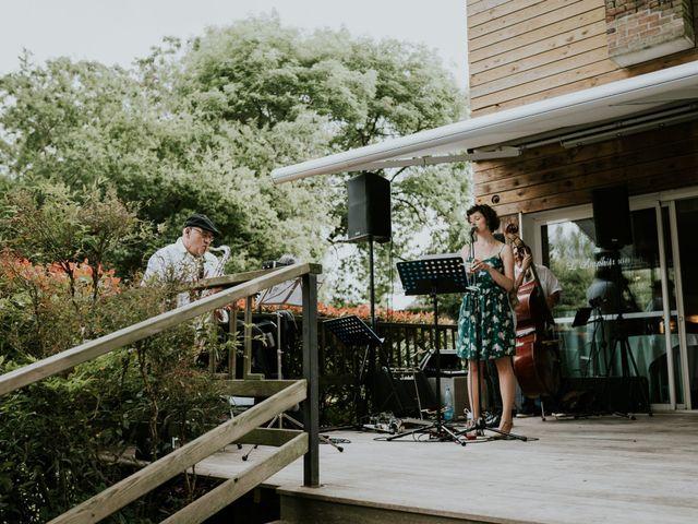 Le mariage de David et Justine à Roncq, Nord 18