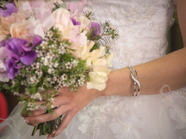 Le mariage de Romain et Caroline à Bugarach, Aude 9