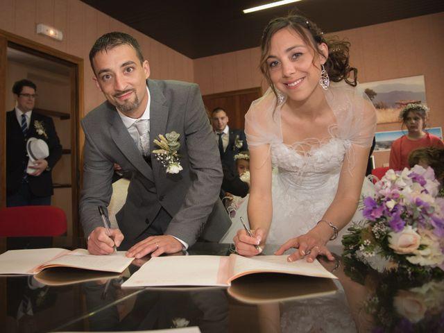 Le mariage de Romain et Caroline à Bugarach, Aude 11