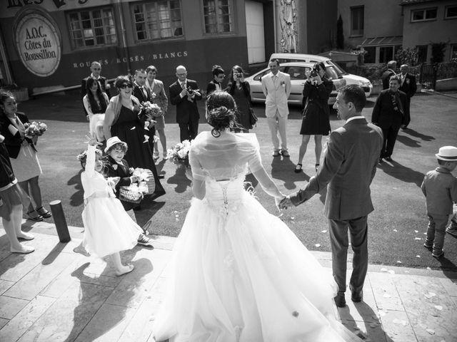 Le mariage de Romain et Caroline à Bugarach, Aude 14