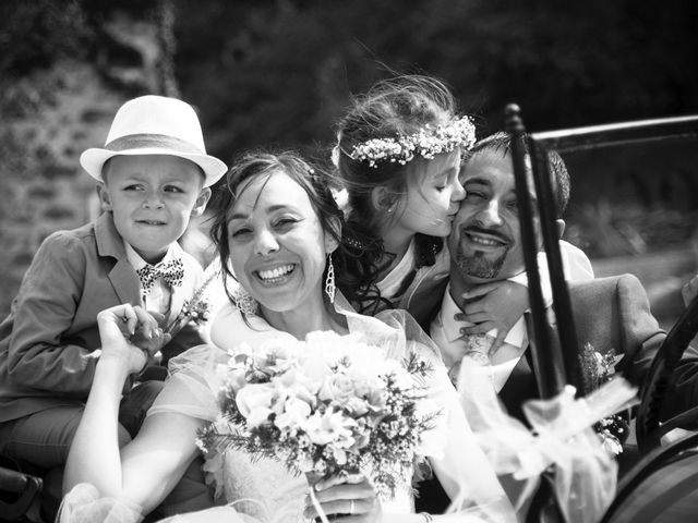 Le mariage de Romain et Caroline à Bugarach, Aude 17