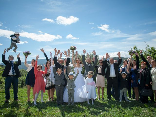 Le mariage de Romain et Caroline à Bugarach, Aude 18