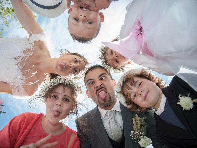 Le mariage de Romain et Caroline à Bugarach, Aude 19