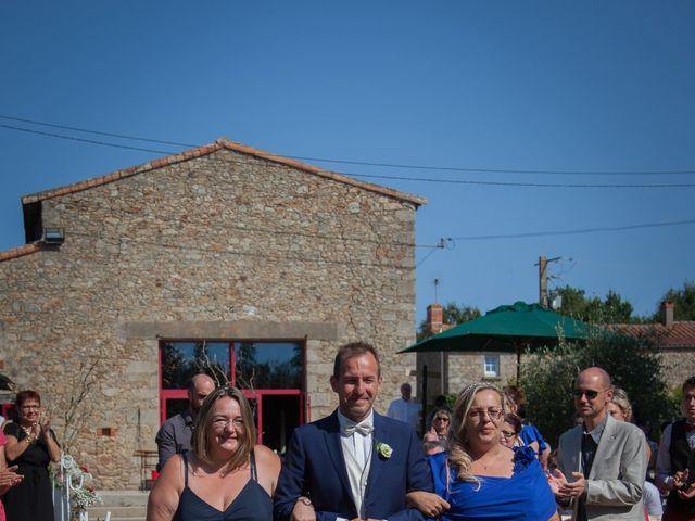 Le mariage de Terry et Laurent à Les Clouzeaux, Vendée 3