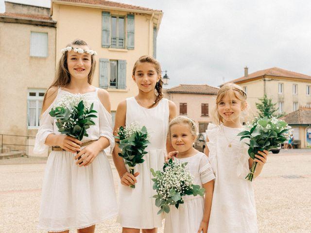 Le mariage de Pierre et Joanne à Saint-Marcel-de-Félines, Loire 33