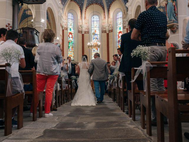Le mariage de Pierre et Joanne à Saint-Marcel-de-Félines, Loire 1