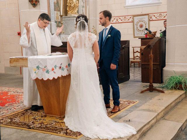 Le mariage de Pierre et Joanne à Saint-Marcel-de-Félines, Loire 37
