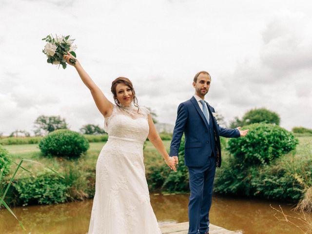 Le mariage de Pierre et Joanne à Saint-Marcel-de-Félines, Loire 43