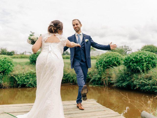 Le mariage de Pierre et Joanne à Saint-Marcel-de-Félines, Loire 46