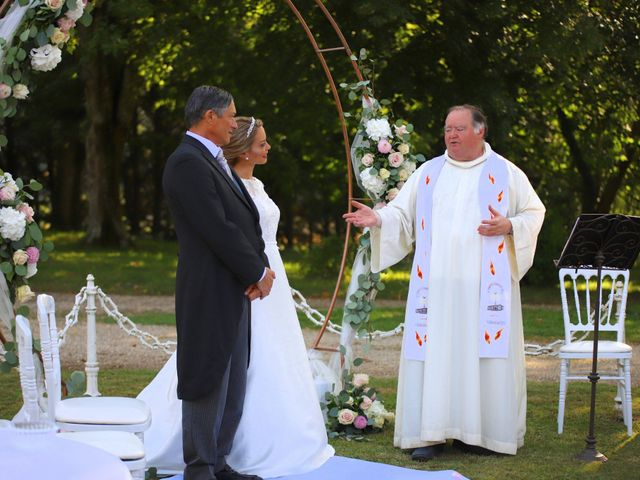 Le mariage de Serge et Rossy à Benest, Charente 9