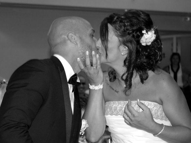 Le mariage de Anthony et Nadine à Uchaud, Gard 34
