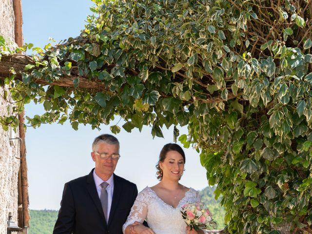 Le mariage de Bastien et Céline à Sainte-Eulalie-de-Cernon, Aveyron 10