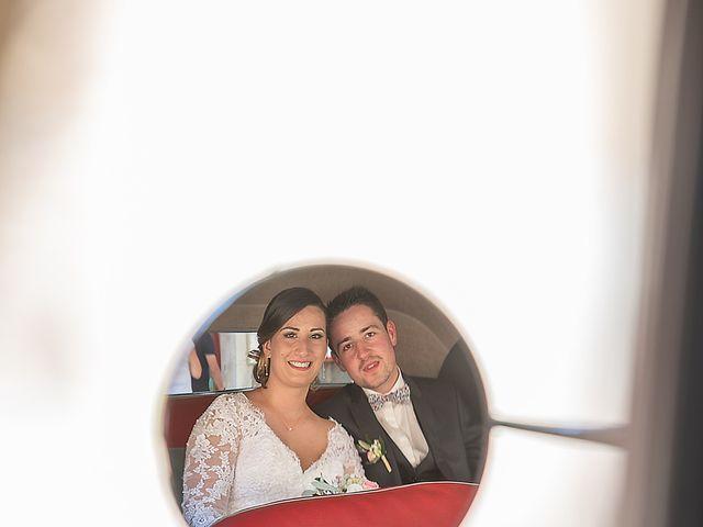 Le mariage de Bastien et Céline à Sainte-Eulalie-de-Cernon, Aveyron 31