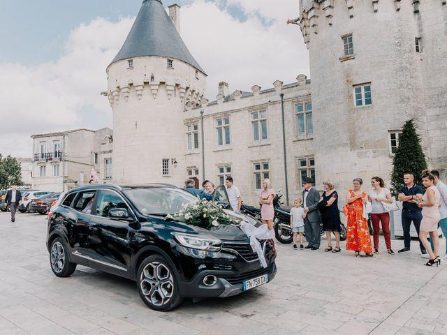 Le mariage de Jean Michel et Sarah à Jonzac, Charente Maritime 12