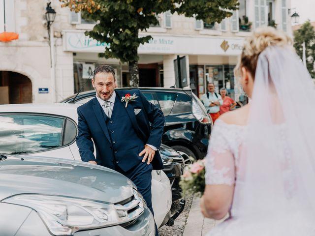 Le mariage de Jean Michel et Sarah à Jonzac, Charente Maritime 13