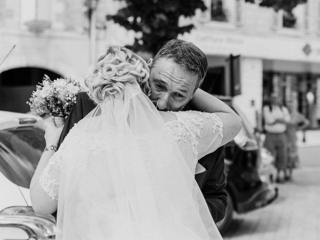 Le mariage de Jean Michel et Sarah à Jonzac, Charente Maritime 14