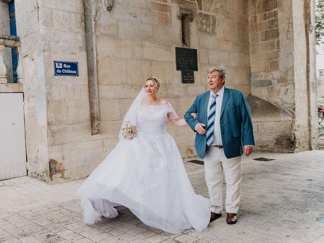 Le mariage de Jean Michel et Sarah à Jonzac, Charente Maritime 17
