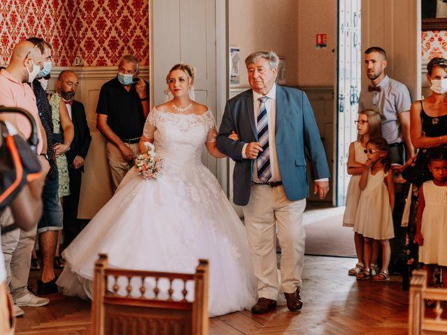 Le mariage de Jean Michel et Sarah à Jonzac, Charente Maritime 18