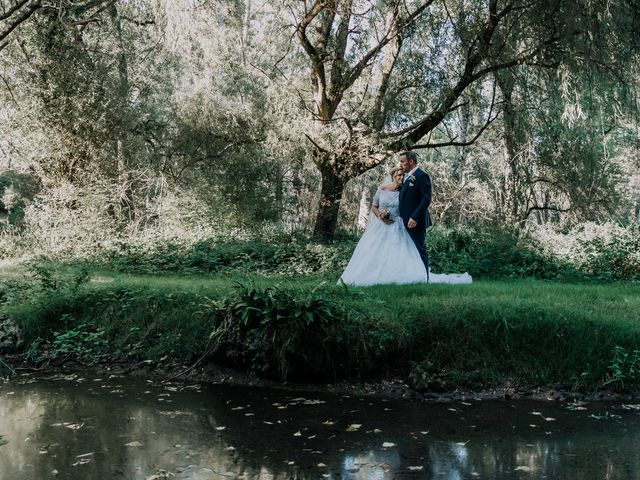 Le mariage de Jean Michel et Sarah à Jonzac, Charente Maritime 34