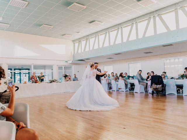 Le mariage de Jean Michel et Sarah à Jonzac, Charente Maritime 42