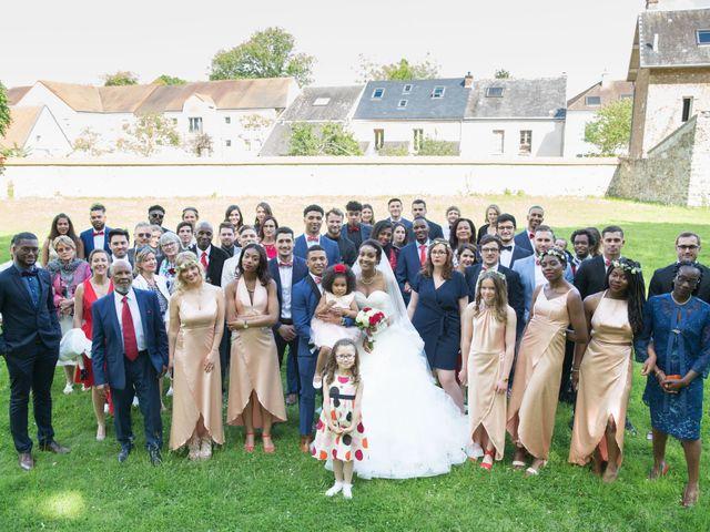 Le mariage de Madina et Alister à Paris, Paris 95