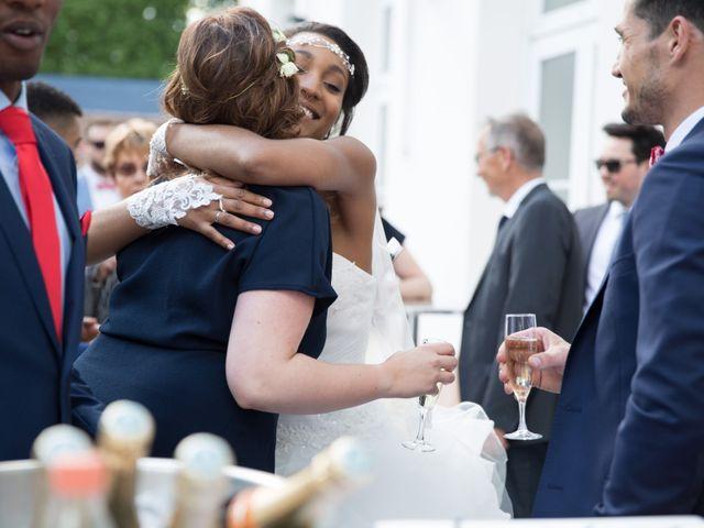 Le mariage de Madina et Alister à Paris, Paris 107