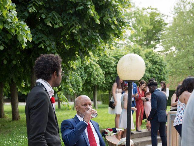 Le mariage de Madina et Alister à Paris, Paris 112
