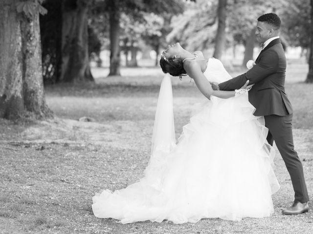 Le mariage de Madina et Alister à Paris, Paris 171