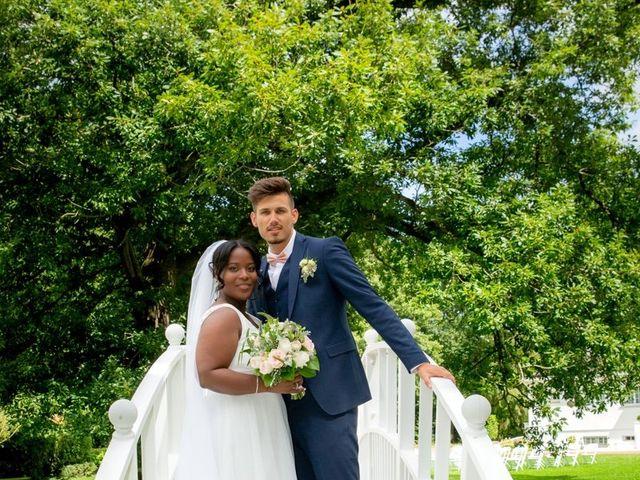 Le mariage de Romain et Naomie à Fresneaux-Montchevreuil, Oise 9