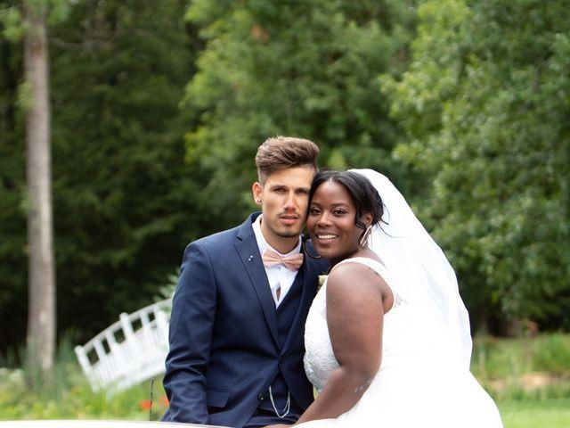 Le mariage de Romain et Naomie à Fresneaux-Montchevreuil, Oise 10