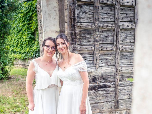 Le mariage de Caroline et Mathilde à Voissant, Isère 5