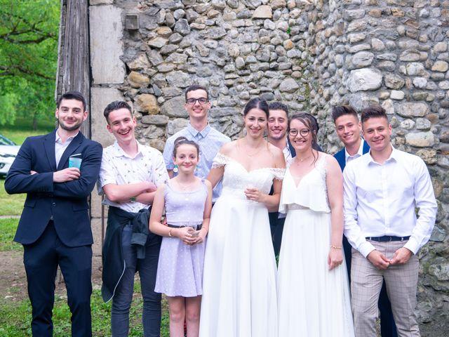Le mariage de Caroline et Mathilde à Voissant, Isère 12