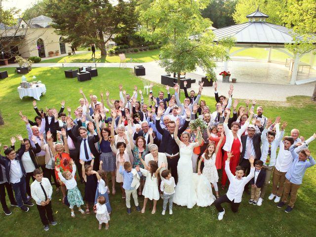 Le mariage de Emmanuel et Céline à Beaucouzé, Maine et Loire 32