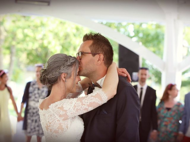 Le mariage de Emmanuel et Céline à Beaucouzé, Maine et Loire 35