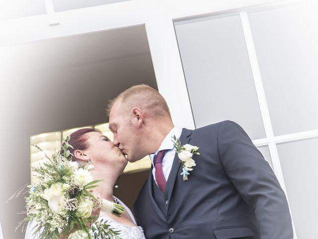Le mariage de Benjamin et Aurélie à Villers-Guislain, Nord 30