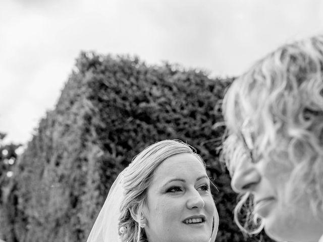 Le mariage de Gaël et Magalie à Marçay, Vienne 5